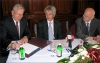 Nagy Miklós (NIIF Intézet), Dr. Baja Ferenc (MEH), Dr. Manherz Károly (OKM) aláír